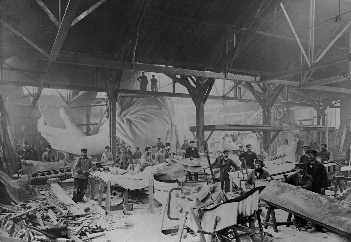 1882 - The Statue of Liberty inside French sculptor Frédéric Auguste Bartholdi's workshop in Paris - 1